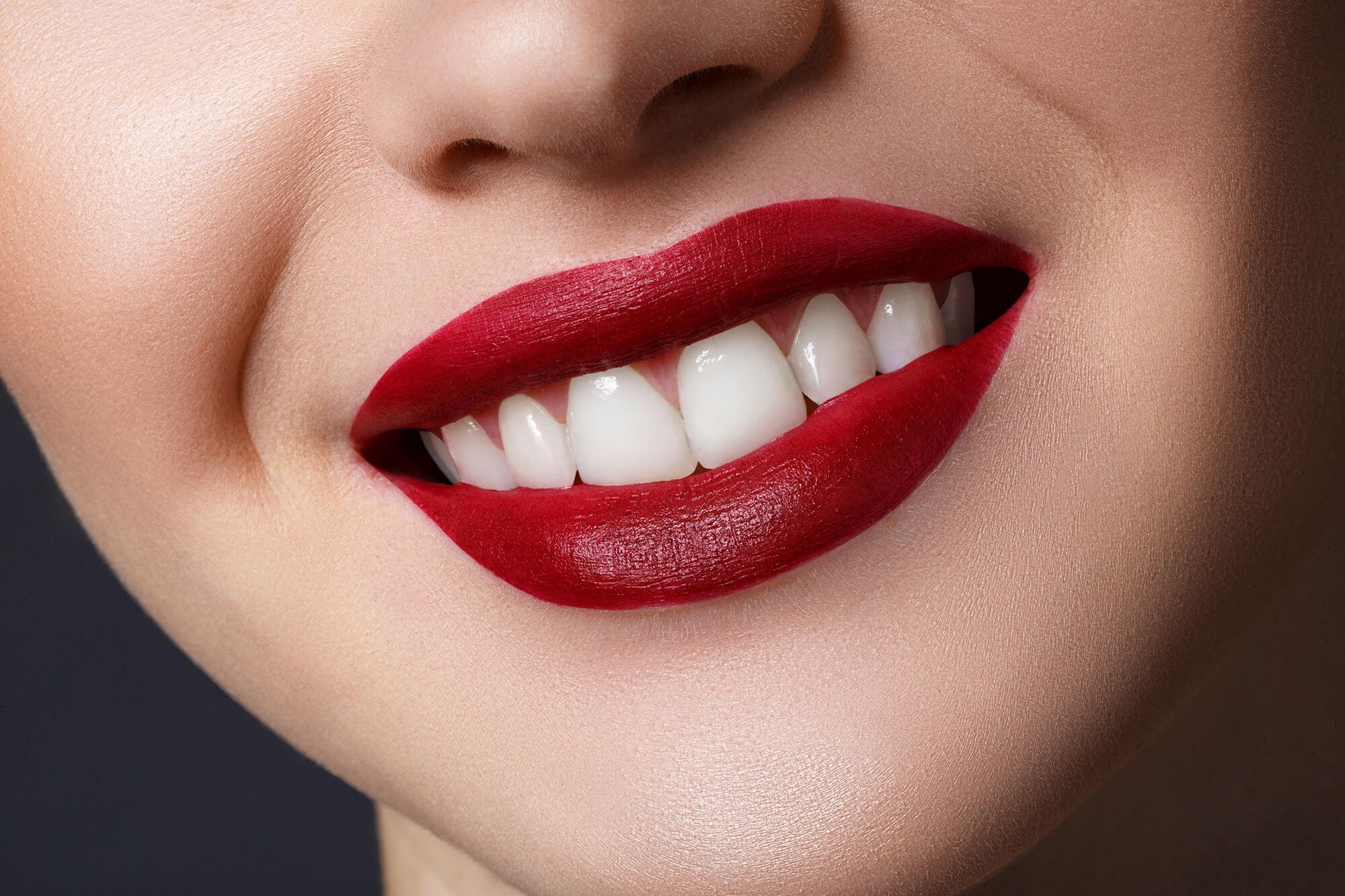 Металлокерамика или цирконий что лучше на коронки и при имплантации зубов