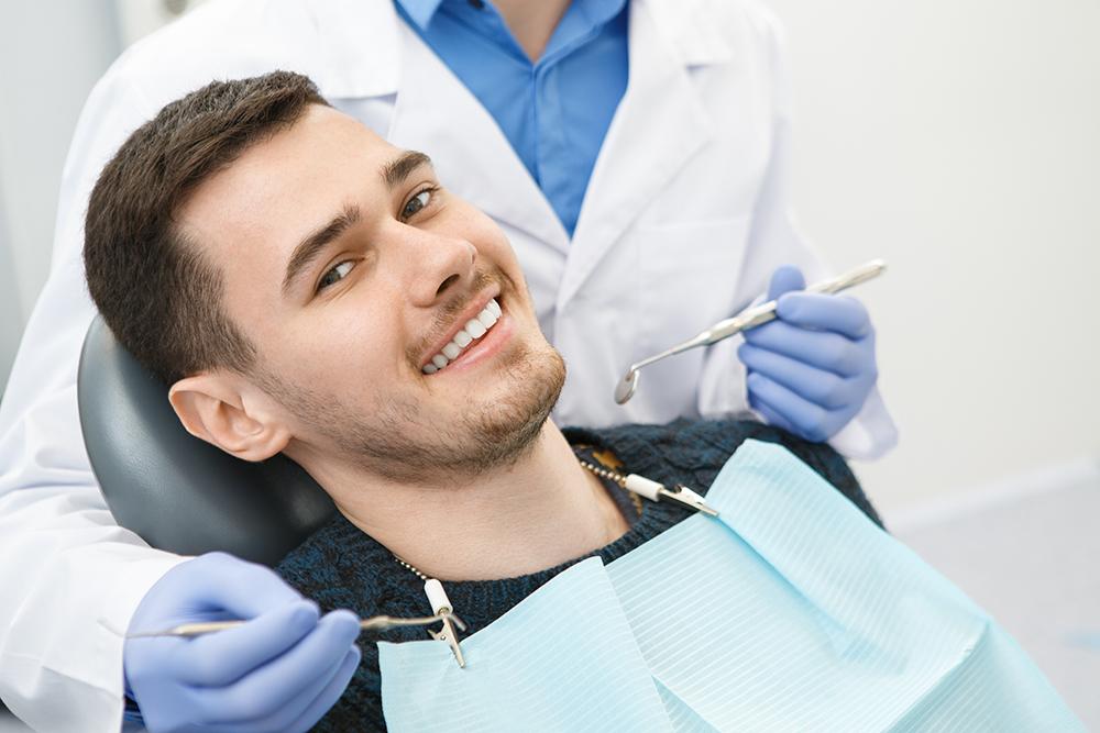 Имплантация нижних зубов — установка имплантов на нижнюю челюсть